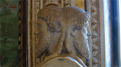 JANO. El dios de la mitología romana, en el Museo Vaticano. Miller caracteriza así al psicoanálisis cuando interviene en los debates públicos.